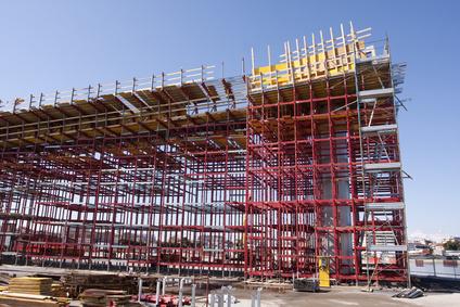 GESTIONE CANTIERE E SICUREZZA: montaggio e smontaggio dei ponteggi fissi nei cantieri temporanei e mobili.